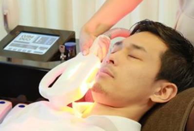 メンズ脱毛サロンRASHINDO横浜鶴見店なら、痛みの出にくい機械を導入